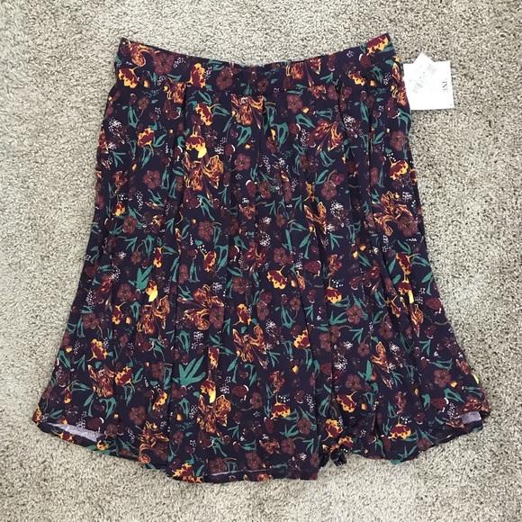 Lularoe   Madison Skirt Plum Floral Pattern 3XL